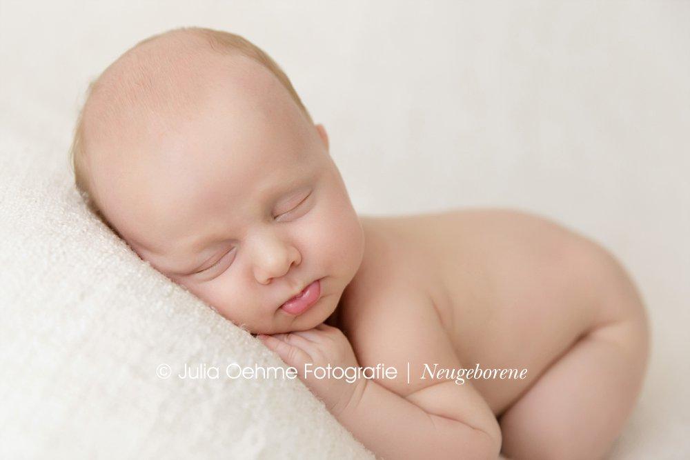 babyfotos in leipzig baby 5 wochen alt ben moderne. Black Bedroom Furniture Sets. Home Design Ideas