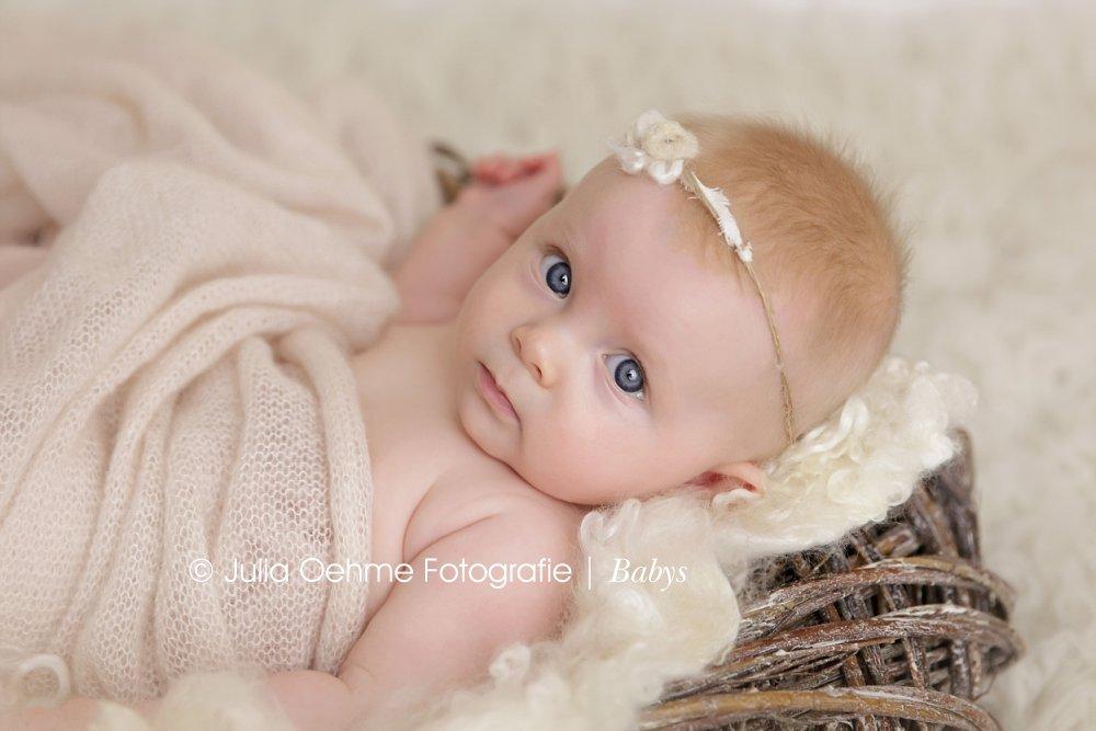 baby fotos mit 5 monaten anna moderne schwangerschaftsfotos neugeborenenfotos und babyfotos. Black Bedroom Furniture Sets. Home Design Ideas